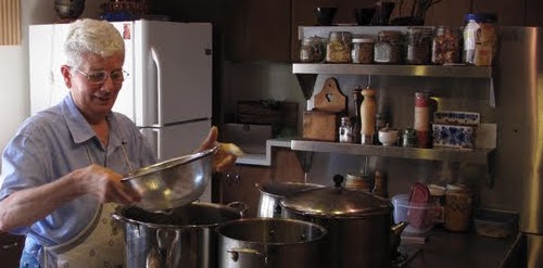Annette cooking1